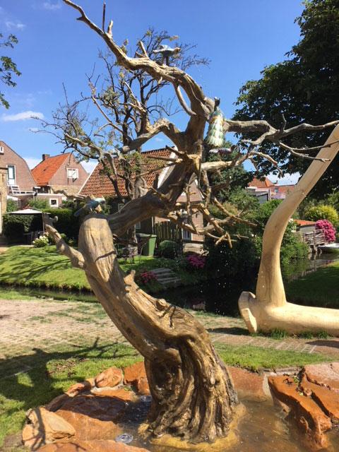Poetisch Brunnen.Entdecken Sie Die 11 Brunnen Von Friesland Jachthaven