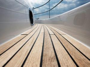 Yachtservice en Refit dek en romp